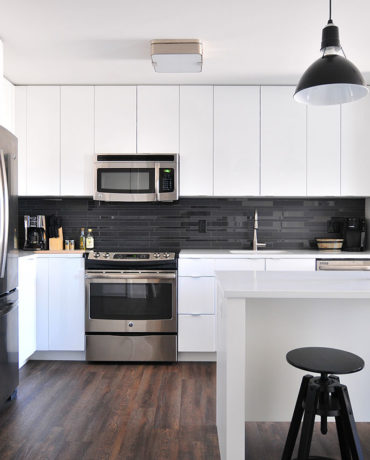 Choosing the Right Finish for Your Kitchen Cabinets