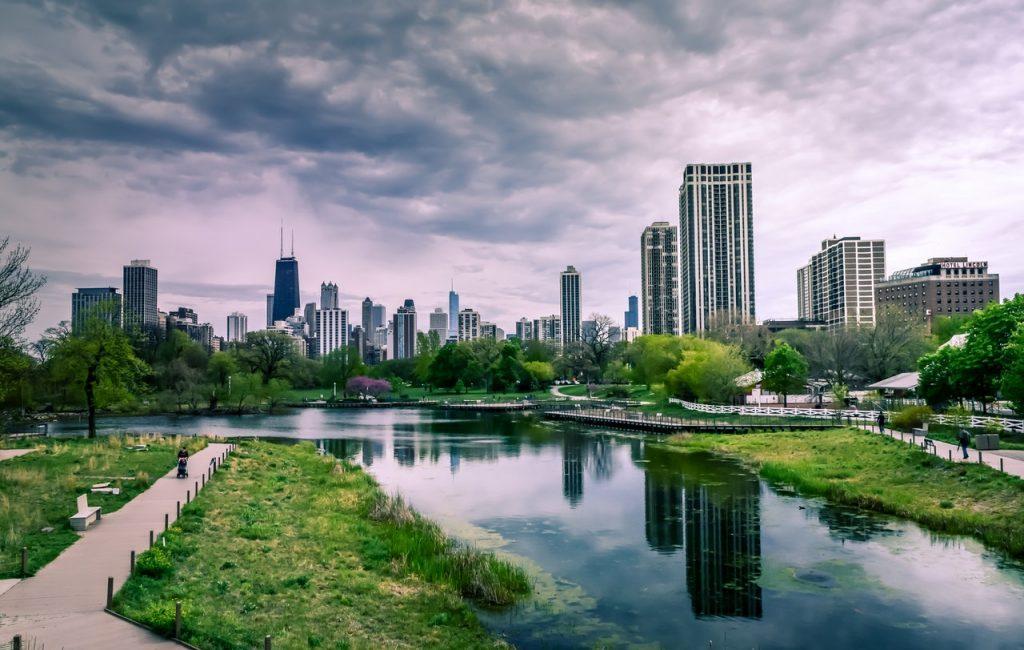 :river-near-city-buildings-under-cloudy-sky-1209978.jpg